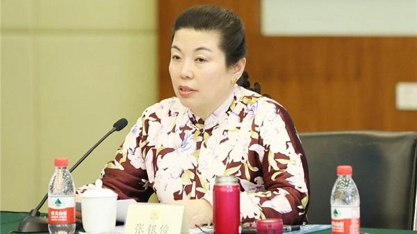 民进中央妇女儿童委员会副主任、中国青少年艾滋病防治教育工程办公室主任、北京青爱教育基金会理事长  张银俊